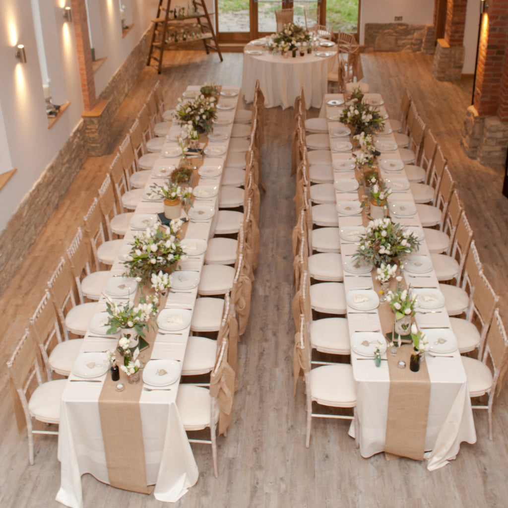 Hessian burlap table runner the wedding of my dreams - Table runner decoration ideas ...