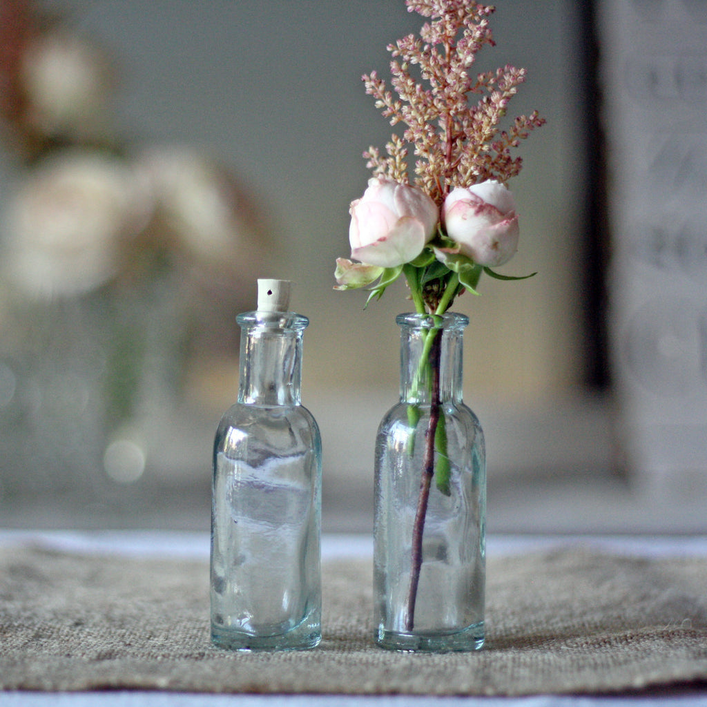 Cork Wedding Decorations: Mini Glass Bottles With Cork Stopper