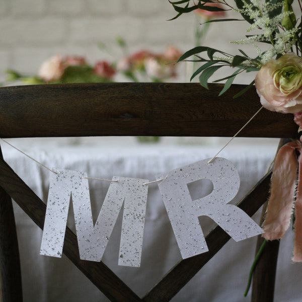 MR & MRS Wedding Cahir Signs Bunting - White / Silver