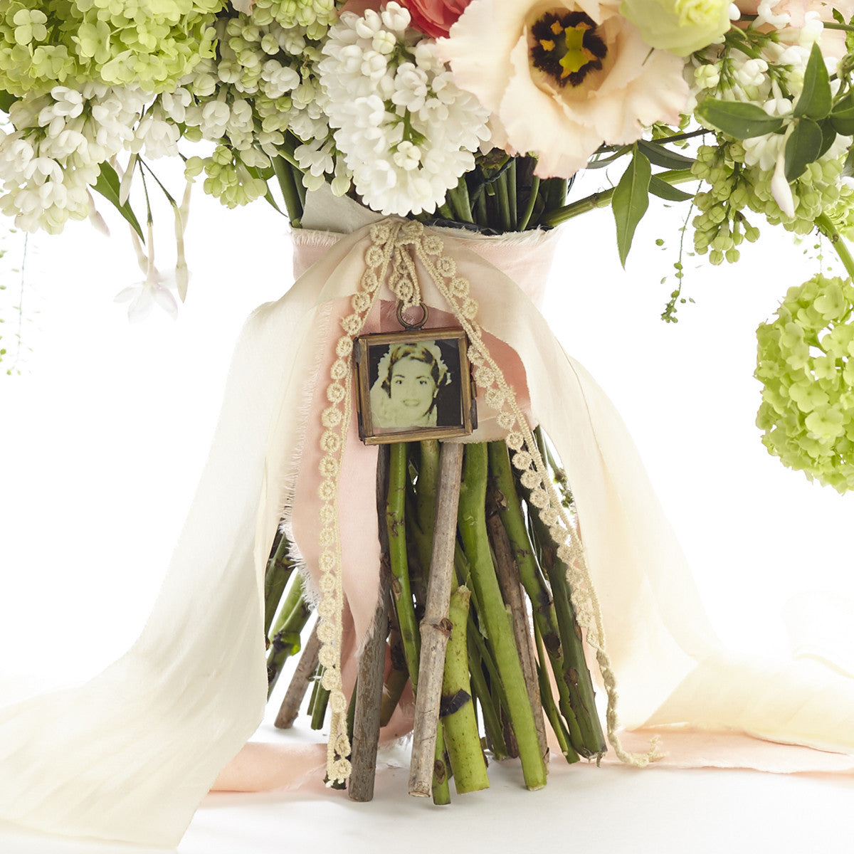 Tiny Photo Frame For Wedding Bouquet – The Wedding of My Dreams