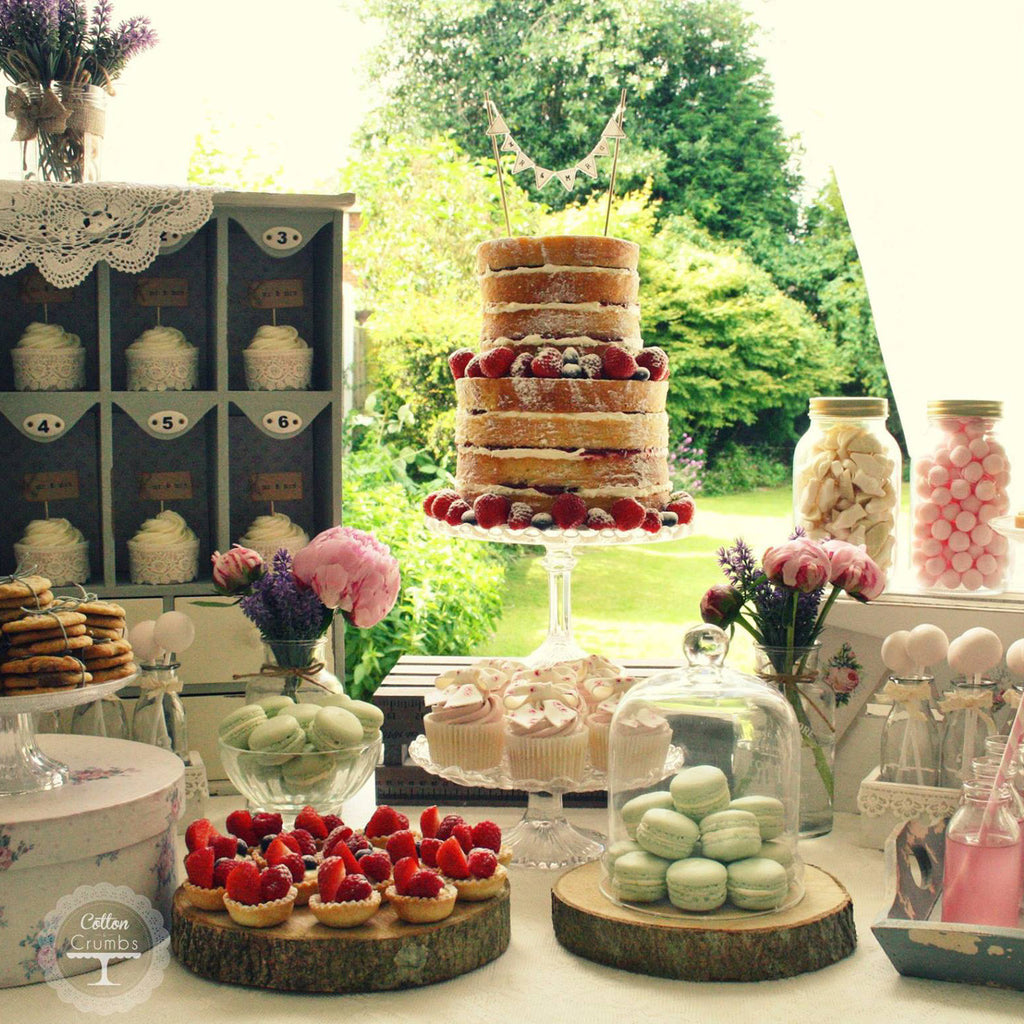 Wedding Dessert Table Decorations: Tree Slice Rustic Wedding Centrepiece. Buy Online