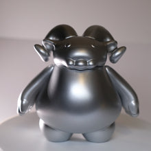 Load image into Gallery viewer, Ramble Silver State Edition Vinyl Figure LE 50