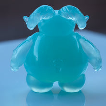 "Load image into Gallery viewer, 4"" Solid Resin Ocean Skelly"