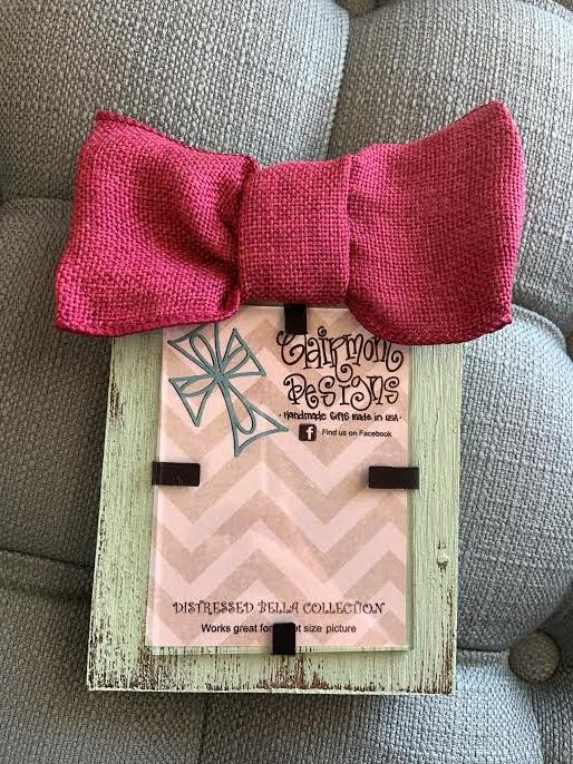 Distressed Bow Frame: Mint & Pink