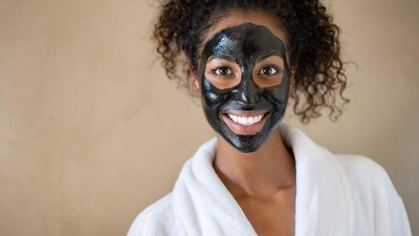 woman with sea moss face mask