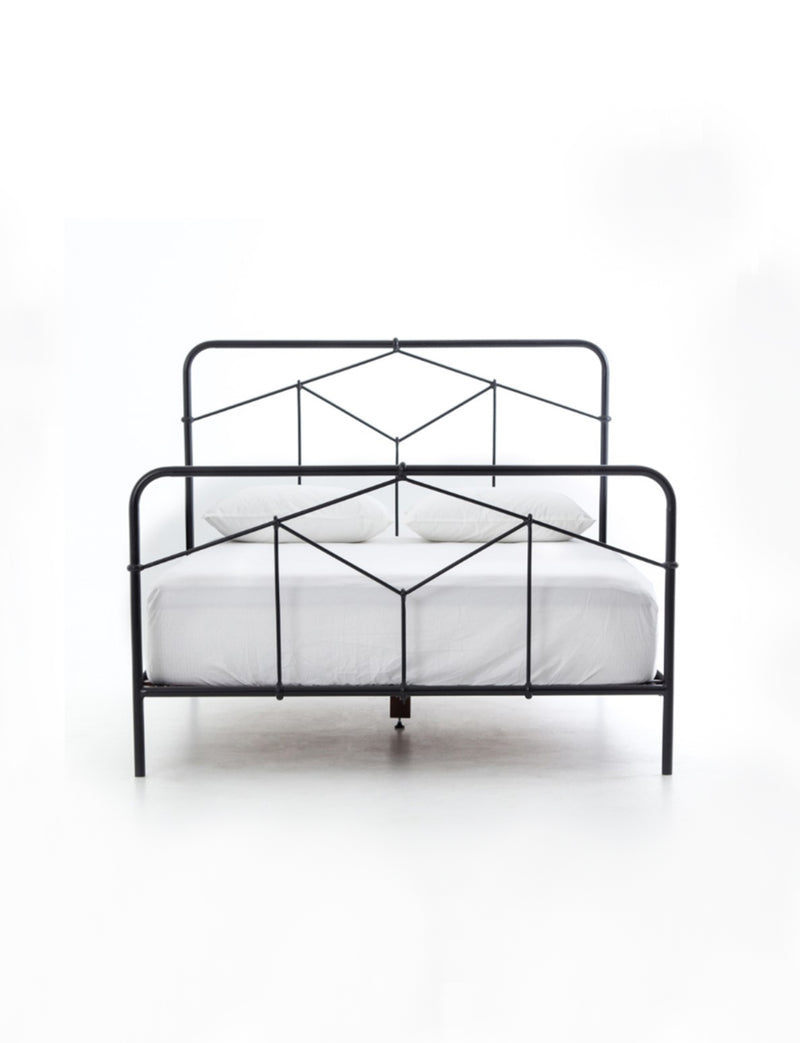 Kassey Bed, Black