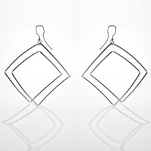 Load image into Gallery viewer, Tetra earrings