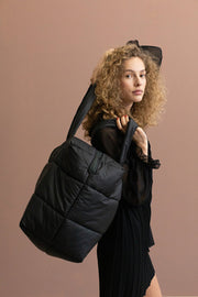 Camill - Big puffy weekend bag van Tinne+Mia