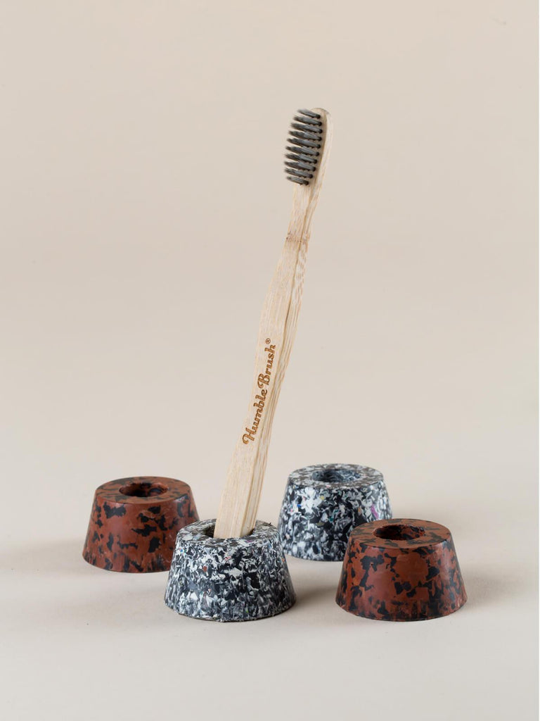 Mon Terra Toothbrush Holder - Set of 4 - Black/Brown Pallet Terrazzo - Moxie Tel-Aviv