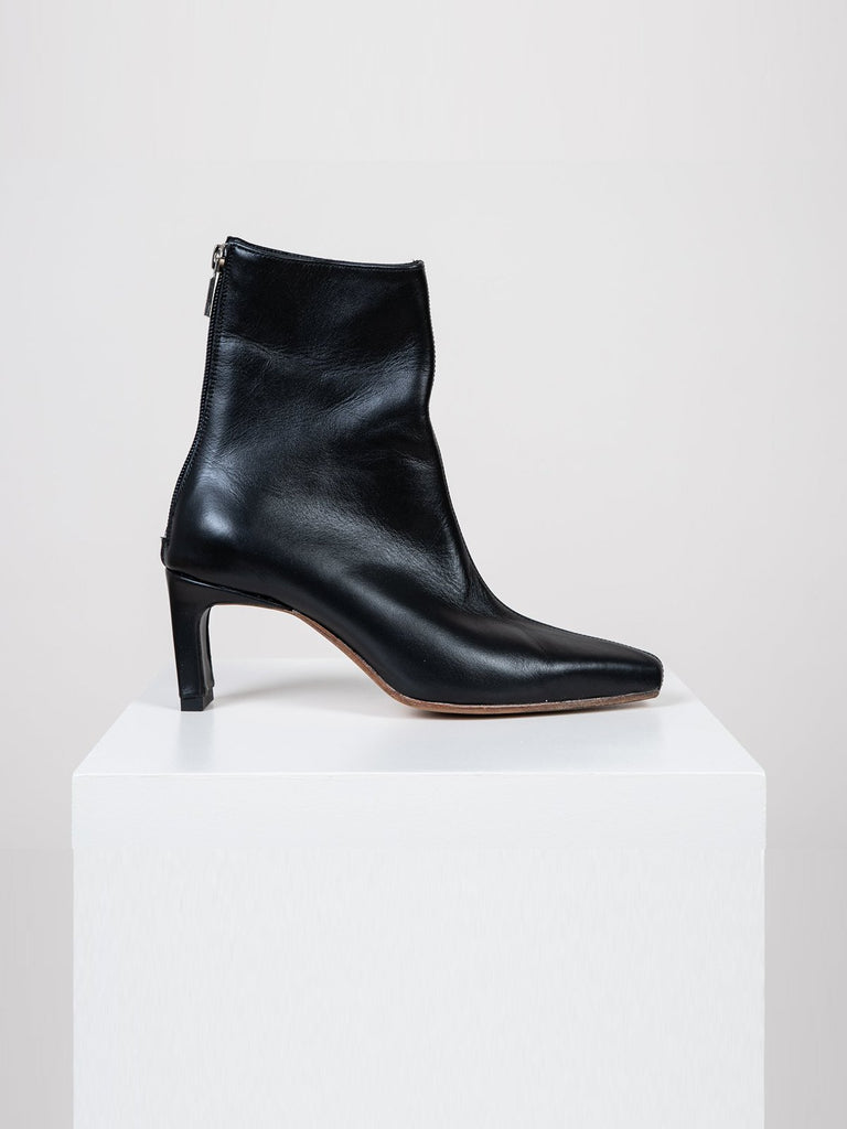 Noon Prayer Boots - Black - Moxie Tel-Aviv