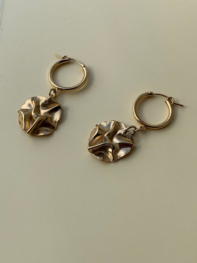 Yoster YOSTER X JF Organic Coin Earrings - Moxie Tel-Aviv