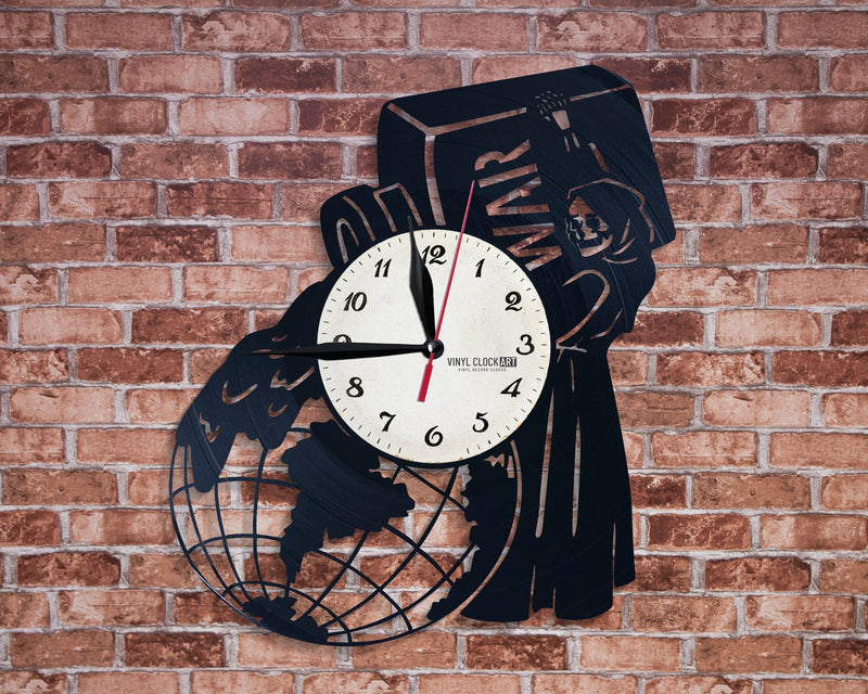 Wall clock with Weapon logo