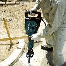 "Load image into Gallery viewer, Makita: 42 lb. AVT® Demolition Hammer, accepts 1‑1/8"" Hex bits - HM1317CB"