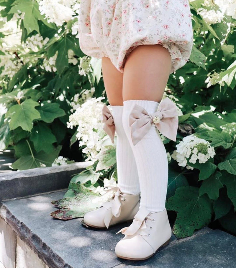 Petit Maison Emma Linen Bow Socks - Rose & Albert