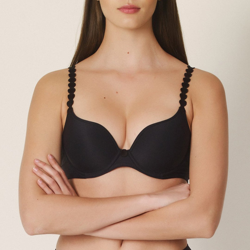 Marie Jo, L'aventure, Tom, sweetheart, plunge, underwired, moulded, circle detail strap, strap at back clip to halter neck, criss cross, black, Caroline Randell.