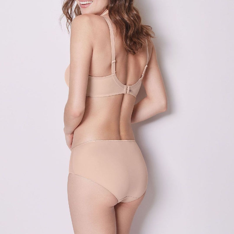 Simone, Perele, Andora, deep brief, high waist knicker, nude, beige colour, embroidered sides, with a light seam allow the back of the bum, Caroline Randell