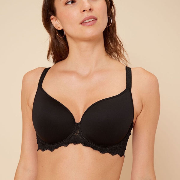 Simone Perele, Caresse, 3D spacer cups, underwired, smooth, t-shirt, bra, light mould, plunge, low neckline, black, lace along the band and straps, Caroline Randell.