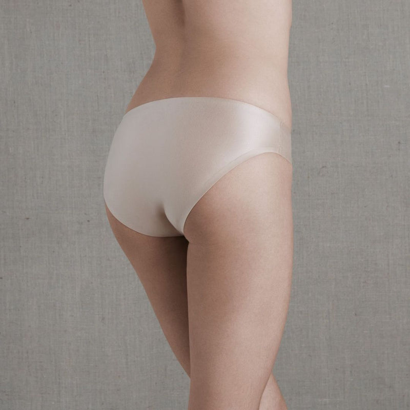 Simone Perele, Invisi'bulle, brief, rio briefs, seamless, no vpl, smooth, in nude, pea rose, Caroline Randell.