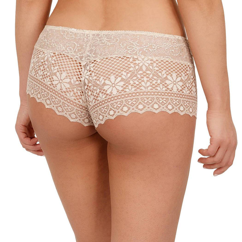 Empreinte Cassiopee shorty in opaline gold colour, lace front and back with no vpl.