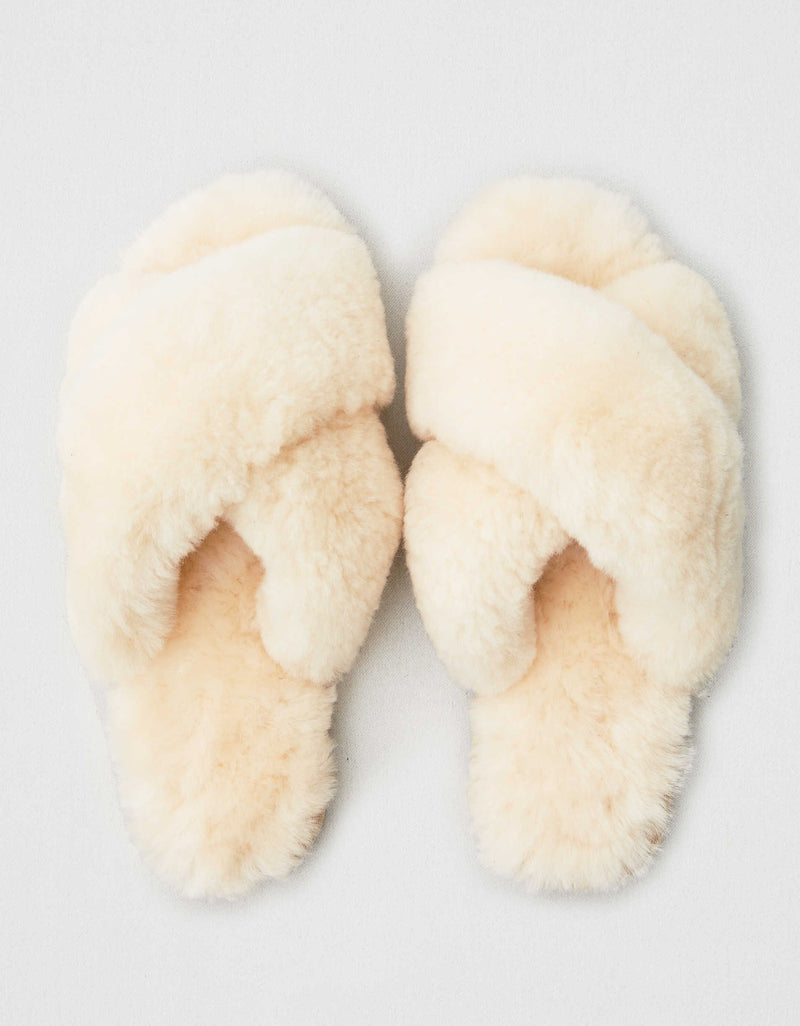 Emu Mayberry Slippers in natural and charcoal. slider slipper super comfortable and warm. 100% real Australian sheepskin.