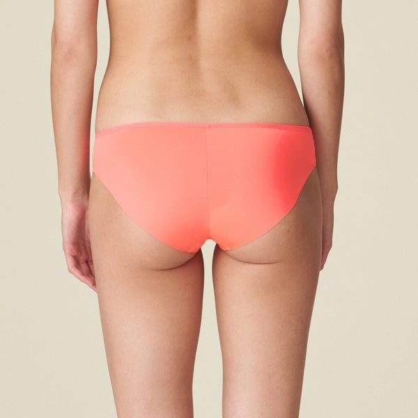 Marie Jo L'Aventure Yohji rio brief in a checked fabric detail along the top and smooth fabric finish. The brief is seamless in a Tropicana colour neon pink, Caroline Randell.