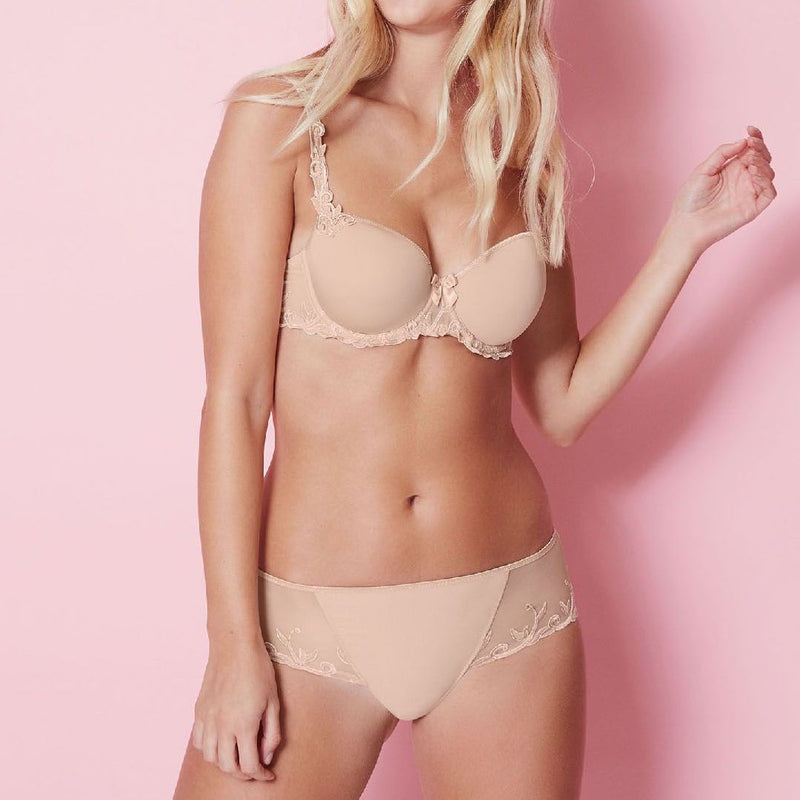 Simone Perele, 3D spacer foamed cups, smooth, tshirt, underwired, balcony, bra, nude, caffe latte colour, with embroidery detail along the band and straps, Caroline Randell.