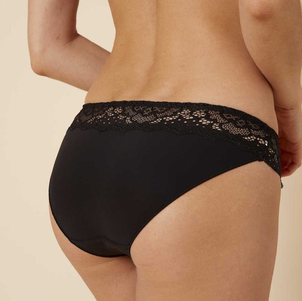 Caresse brief