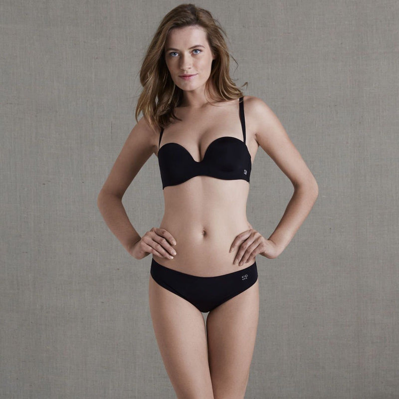Simone Perele, Inspiration, strapless, attachable straps, underwired, moulded, smooth, plunge, bra, in black, Caroline Randell.
