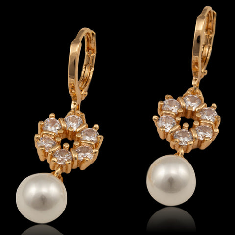 Vedrik Pearl Earings For Women
