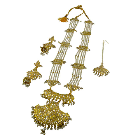 Gold Queen Necklace Set