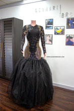 Cargar imagen en el visor de la galería, Black and Gold Sequins Dress with Organza Train