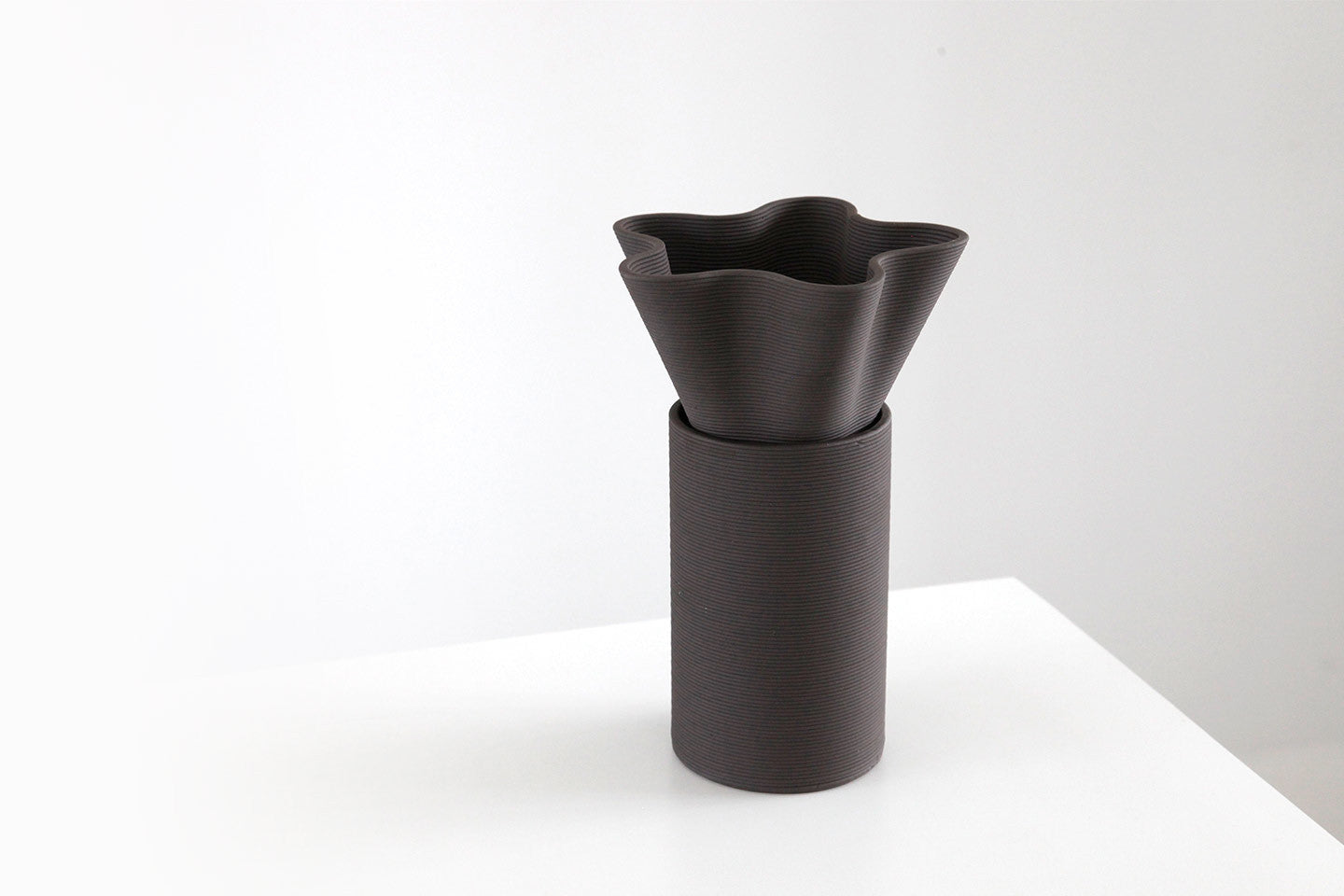 xprmnt vase set black YARN