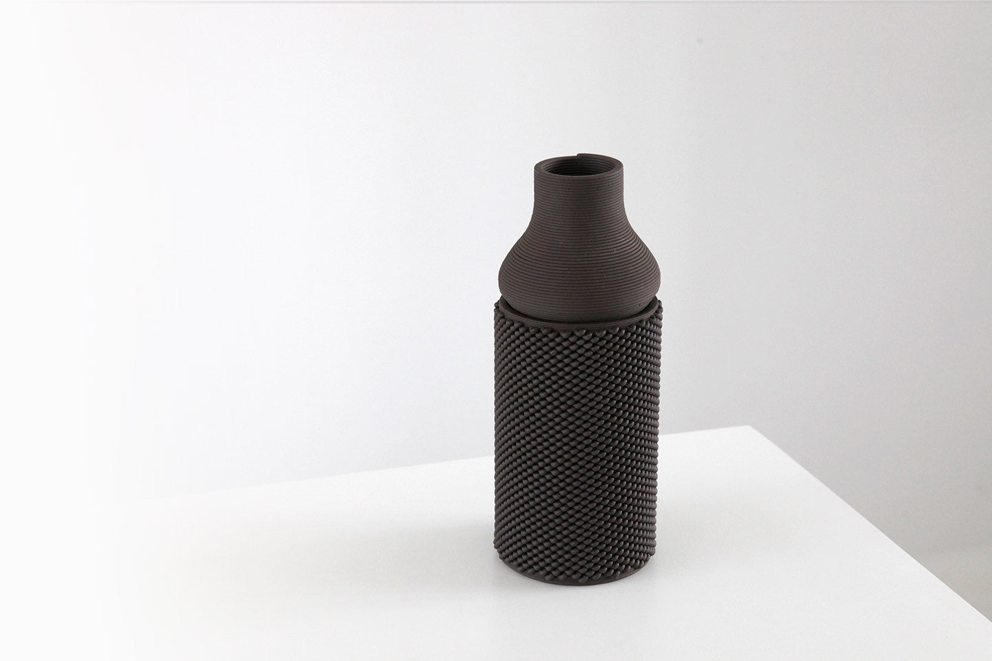 xprmnt vase set black KNITTED