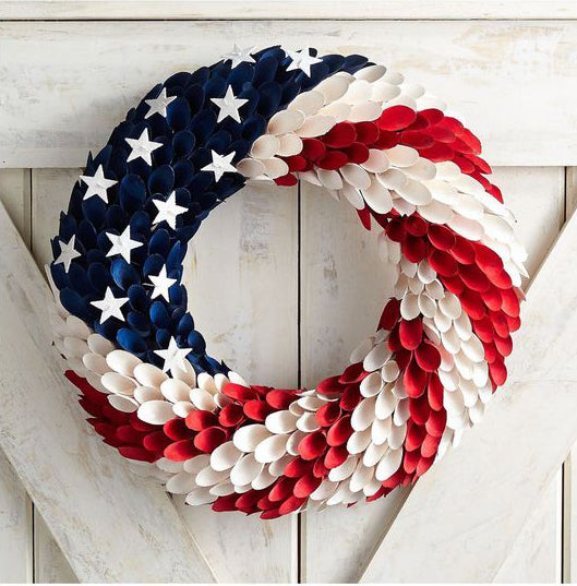 4th of July wreath_stars and stripes_photo Elle Decor