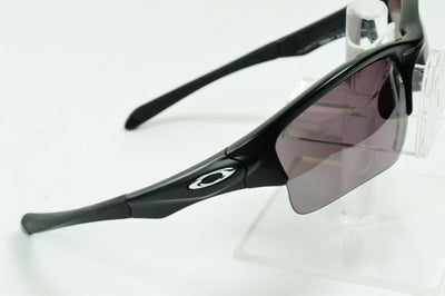 Display Md Oakley Quarter Jacket Matte Black Prizm Daily OO9200-17 Sunglasses