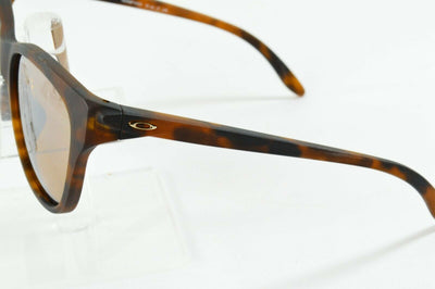 Display Model Oakley Hold Out Matte Tortoise Tungsten Ird Sunglasses OO9357-0355