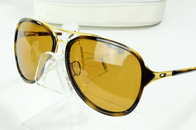 Display Md Oakley Kickback Matte Gold Tort Bronze Polarized OO4102-02 Sunglasses