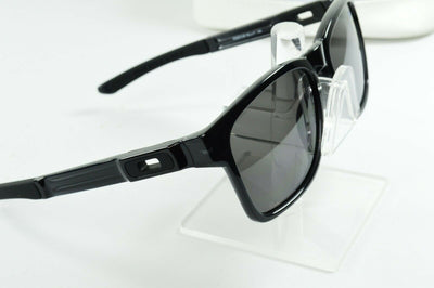 Display Mdl Oakley Catalyst Black Ink Warm Gray OO9272-08 Sunglasses