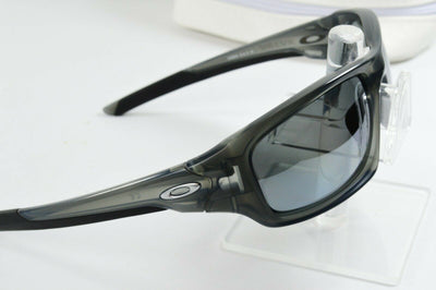 Display Model Oakley Valve Matte Gray Smoke Black Polarized OO9236-06 Sunglasses