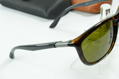RayBan RB8351 Tortoise Brown Classic RB8351 6221/73 Display Model