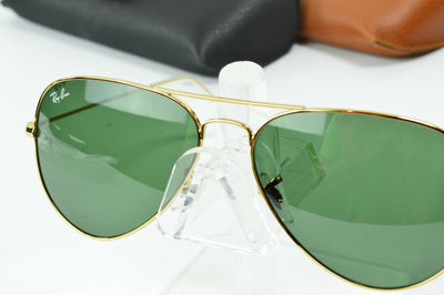 RayBan Aviator Gold Polarized Green RB3025 L0205 Display Model