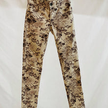 Load image into Gallery viewer, Wit & Wisdom (Nordstrom Brand) Floral Print Jeans Size 0