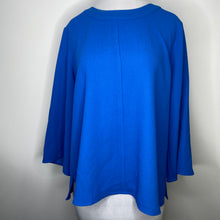 Load image into Gallery viewer, Vince Camuto Elbow Sleeve Parisian Top Size M (NWT)