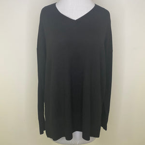 Chelsea28 V-Neck Sweater Size S