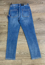 Load image into Gallery viewer, BLANKNYC Straight Leg Carpenter Jeans Size 25 (NWT)