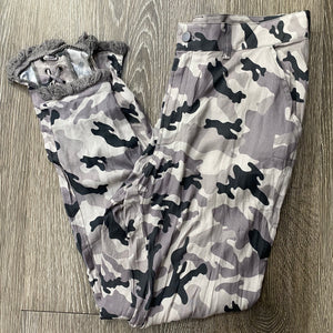 Chaser Camo Lace-Up Pant Size M (NWT)