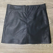 Load image into Gallery viewer, BLANKNYC Vegan Leather Simple Mini Skirt Size 25 (NWT)