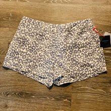 Load image into Gallery viewer, Cynthia Rowley Linen Animal Print Shorts Size 6 (NWT)