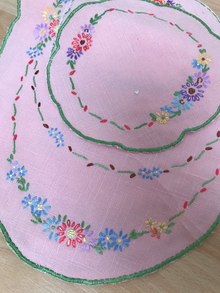 Vintage pink embroidered collar