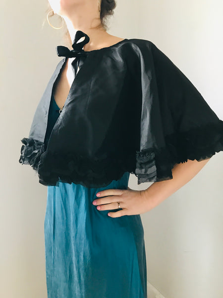 Vintage 1930s Black scallop Ruffle trim capelet - All sizes